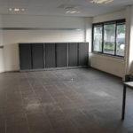 Kantoorruimte 1 met antraciet kleurige tegelvloer