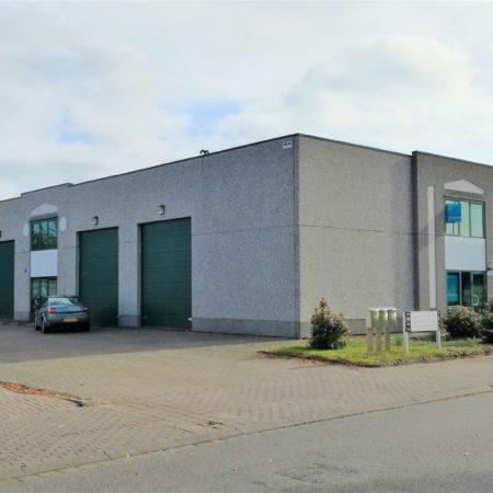 Straatzicht van de bedrijfsverzamelgebouwen op het Minervum in Breda