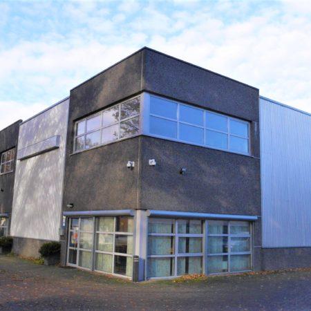 De voorzijde van de Ledeboerstraat 35-01 te Tilburg met deel gemetselde gevel.